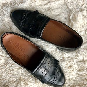 Bostonian Black Leather Kiltie Wingtip Loafers